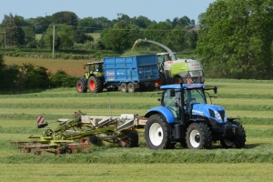 Second Cut Grass Silage in Hook Norton June 2015